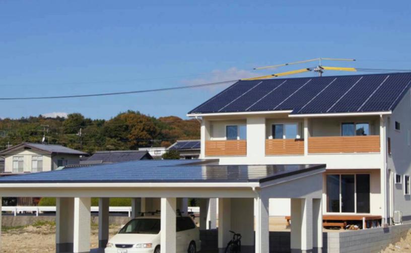 ソーラーパネルを導入した住宅